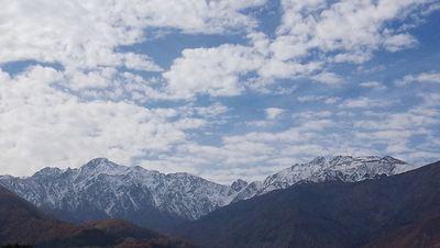 北尾根高原紅葉三昧と雪山